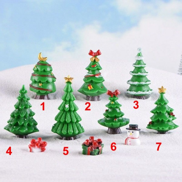 1 Pcs Merry Christmas Tree Day Russian Spain Canada France Israel Small Crafts Garden Ornament Miniatures Home Man